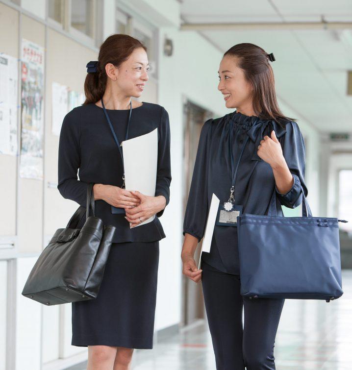 【母親編】お受験バッグの基本マナーと選び方|必要な小物まで解説
