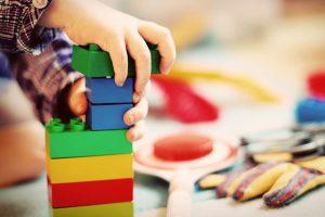 モンテッソーリ教育とは?教育内容の特徴やメリットを解説!
